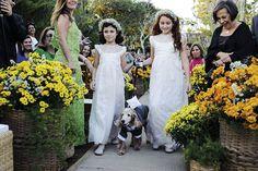 Dama de honra e pajem do casamento de Clarissa e Denis, publicado no Euamocasamento.com.  As fotos são de RVonkrüger Fotografia. #euamocasamento #NoivasRio #Casabemcomvocê