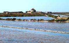 Algarve: Sechs Tipps für Tavira | via Groovy Planet Blog | 19/08/2014 avira liegt auf beiden Seiten des Rio Gilão. Historische Bauten, Brücken, die die beiden Teile miteinander verbinden, Restaurants und Herbergen prägen das Bild. In Faro gelandet, hatte ich Tavira ausgewählt, um von dort weiter Richtung Alentejo zu starten. Weg von der Küste, weg vom Strand. Das kannte ich ja schon.  #Portugal