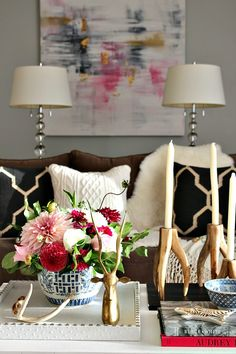 Fall coffee table styling Blogger Stylin' Home Tours | Fall Home Tour