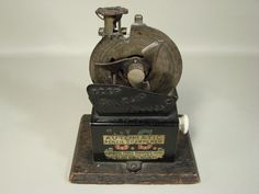 US Automatic Pencil Sharpener - old, beautiful mechanics...