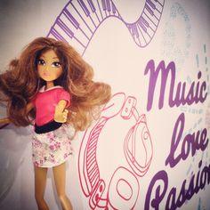 Arrivederci Violetta! Grazie per le emozioni, le canzoni e i concerti che ci hai regalato nel LiveTour italiano! V-Lovers 4ever  #Violetta #LiveTour #Tini #Vlovers #Music #Love #Passion #GiochiPreziosi #FashionDoll #ViolettaDoll #Tinita #MartinaStoessel