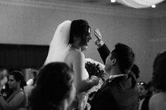 """SABIAS QUE? El fotoperiodismo de bodas es teóricamente aquel estilo por el cual el fotógrafo busca retratar un enlace matrimonial a través de imágenes naturales, huyendo -en la medida de lo posible- de los tradicionales posados y manteniendo cierta voluntad artística en su trabajo... En Producciones Malta amamos nuestro trabajo y nos encanta capturar esos momentos que convertimos finalmente en """"Imagenes con vida"""""""