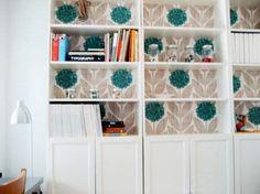 achterwand boekenrek mee behangen