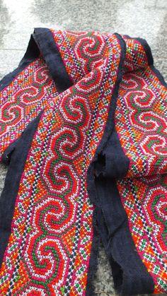 Vintage Hmong Fabric handmade cross stitch hempfabric por dellshop