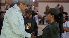 EL PINERO: Una joven sargento impide el despojo de imagen de ...