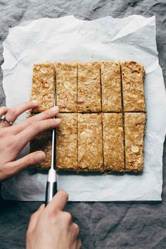 The BEST Soft Granola Bars recipe - made with PB honey vanilla oats pretzels peanuts (and any other add-ins you like). So easy and SUPER yummy! Granola Bars Peanut Butter, Homemade Granola Bars, Best Granola Bars, Soft And Chewy Granola Bars Recipe, Granola Bar Recipe Easy, No Bake Granola Bars, Lunch Snacks, School Snacks, Snack Recipes