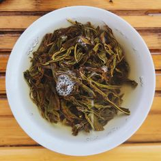 Oolong color. Bright & Brilliant . #oolong #oolongtea #wulongtea #gongfutea #gaiwan #zhentea #dancong #wudong #tealeaves #teabrewing #tealovers #tealover #oolonglover #morningtea #thursdayvibes #chinesetea #ilovetea #siptea #teagram Chinese Tea, Brewing Tea, Japchae, Bright, Ethnic Recipes, Color, Colour, Colors