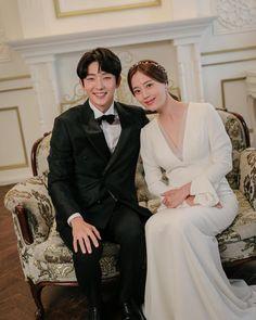 Joon Gi, Lee Joon, Movie Couples, Wedding Couples, The Flowers Of Evil, Best Dramas, Korean Dramas, Korean Drama Best, Couples