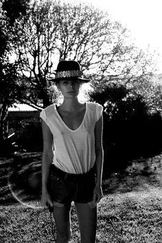 you can't go wrong with moschino / Alexandra Spencer. Love me some no bra! Monochrome, Boho Rock, Girl Fashion, Womens Fashion, Fashion 2014, Girl Photos, Blouse, Hippie Boho, Editorial Fashion