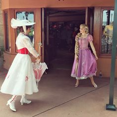 when practically perfect meets the best day ever! ✨✨ Mary Poppins and Rapunzel