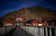 Kremmervika Rorbuer By Night - Ballstad - Lofoten Islands - Norway
