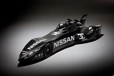NISSAN DELTAWING   日産がル・マン24時間耐久レース用に開発した車。フロントトレッドがこんなに狭くてコーナを曲がれるのだろうか...