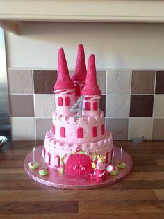 Castle peppa pig birthday cake