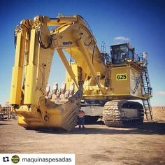 World's Biggest Dangerous Monster Excavator Construction Heavy Metal Diesel Engine Powerful Machine Heavy Construction Equipment, Construction Machines, Heavy Equipment, Excavator Machine, Cat Excavator, Giant Truck, Earth Moving Equipment, Caterpillar Equipment, Mining Equipment