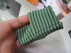 I would like to share with you how I can quickly and easily fold the envelope . I would like to share with you how I quickly and easily sew envelope cuffs made from cuff or jersey Diy Sewing Projects, Sewing Hacks, Sewing Tutorials, Sewing Crafts, Sewing Tips, Sewing Ideas, Sewing Patterns For Kids, Sewing For Kids, Baby Patterns