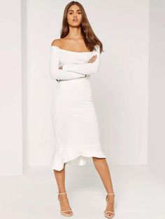 Whether it's a night out in Vegas or an evening in Nashville, earn serious style points at your bachelorette party with the Missguided Bardot Fishtail Hem Dress in White.