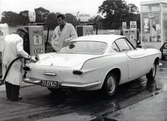 Volvo P1800s, Volvo Cars, The Saint Tv Series, Celebrity Cars, Roger Moore, Classy Cars, Classic Movie Stars, Old Tv, James Bond