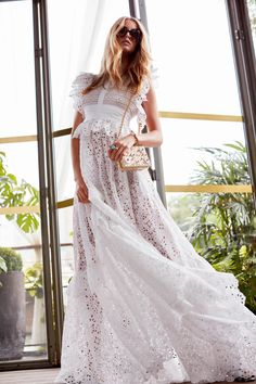 Elie Saab Resort 2019 Fashion Show Collection: See the complete Elie Saab Resort 2019 collection. Look 6
