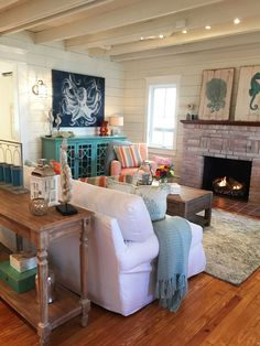 DIY Network Big Beach Builds 03 Zachos Design Group. I love everything in this room!!!