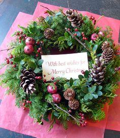 シベリアケヱキのこんな一日の画像 Christmas Flower Decorations, Christmas Arrangements, Holiday Wreaths, Flower Arrangements, Rustic Christmas, Christmas Holidays, Christmas Crafts, Merry Christmas, Christmas Inspiration