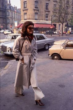 Mode : le style de Jackie Kennedy en photos culte - Jackie Kennedy trench beige