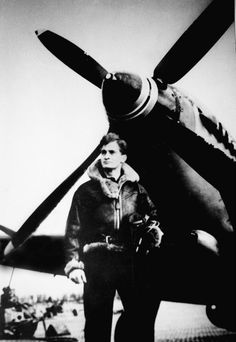 Palle Thomsen, Danish Spitfire pilot Aircraft Photos, Ww2 Aircraft, Fighter Aircraft, Fighter Jets, History Of Photography, Vintage Photography, Robin Olds, The Spitfires, British Armed Forces