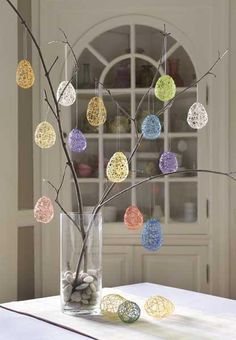 hoppy easter Looking for a fun and easy Easter craft? Bring bright color to your home when you make these simple, inexpensive string Easter eggs. Easter Projects, Easter Art, Hoppy Easter, Easter Crafts For Kids, Easter Eggs, Easter Ideas, Easter Table, Bunny Crafts, Kids Diy