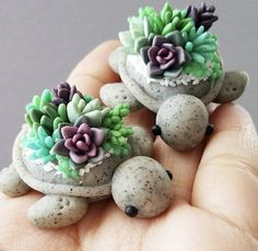 Interesting DIY ideas with homemade polymer clay paste - Polymer Clay - FIMO 3 - Cactus Polymer Clay Turtle, Cute Polymer Clay, Cute Clay, Polymer Clay Charms, Polymer Clay Projects, Polymer Clay Creations, Diy Clay, Clay Figures, Clay Animals