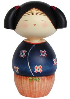 An adorable creative kokeshi with pigtails. Momiji Doll, Kokeshi Dolls, Paper Dolls, Art Dolls, Art Hama, Doll Japan, Origami, Asian Doll, Wooden Dolls
