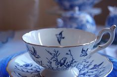 Previous pinned said.bluebird tea cup andd saucer- Coalport- I don't know the name of the pattern. Blue And White China, Blue China, Vintage Dishes, Vintage China, Tea Cup Saucer, Tea Cups, Tea Art, My Cup Of Tea, Blue Bird