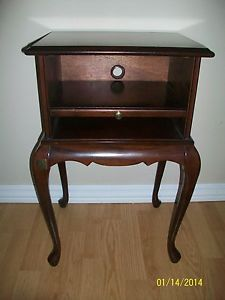 Great Bombay Company Accent Table Telephone Stand Queen Anne Style Wood Dark  Finish | Before Pic