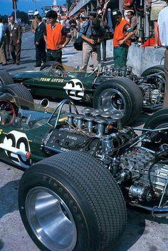 El team Lotus-Ford de 1967, n° 20 de Jim Clark y n° 22 de Graham Hill.