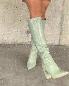 Dr Shoes, Cute Shoes, Me Too Shoes, Trendy Shoes, Mint Shoes, Pastel Shoes, Shoes Tennis, Tennis Sneakers, Shoes Heels
