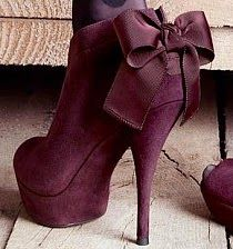 Maroon Bootes With a Bow