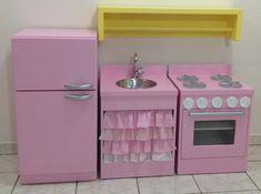 Diy Kids Furniture, Diy Barbie Furniture, Dollhouse Furniture, Cardboard Kitchen, Cardboard Toys, Diy Kids Kitchen, Doll House Plans, Herd, Diy For Kids