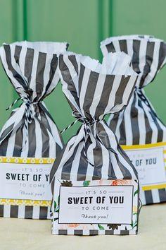 Whisper blush customised krispy kreme wedding favours joe bags of sweets favours solutioingenieria Gallery