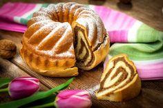 Za+vas+imamo+navodila,+kako+pripraviti+orehovo+potico+korak+za+korakom+(Foto:+Profimedia Slovenian Food, Doughnut, Rolls, Traditional, Sweet, Desserts, Candy, Tailgate Desserts, Deserts