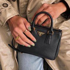 Prada Handbag Style and Status Prada Bag, Chanel Handbags, Gucci Bags, Fashion Handbags, Purses And Handbags, Fashion Bags, Fashion Women, Mini Handbags, Cheap Handbags