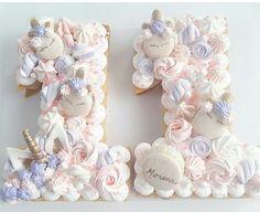 77 J& 5 commentaires - Macarons Amaro The Plata BAires ( sur Insta . Sweet Cakes, Cute Cakes, Yummy Cakes, Bolo Nacked, Macarons, Bolo Original, Alphabet Cake, Cake Lettering, Unicorn Foods