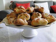 kudy-kam...: Šátečkové koláčky Dessert Recipes, Desserts, Pretzel Bites, Bread, Food, Tailgate Desserts, Deserts, Brot, Essen