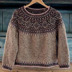 Fair Isle Knitting Patterns, Sweater Knitting Patterns, Knitting Designs, Knit Patterns, Icelandic Sweaters, Wool Sweaters, Poncho Pullover, Norwegian Knitting, Rose Sweater