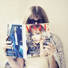 Anna Wintour debutes on social media with an #instagram #selfie