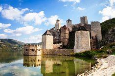 Clisura Dunării va avea încă un obiectiv-magnet pentru turişti. Încep lucrările reabilitare a Cetăţii Sf. Ladislau, în valoare de 4,5 milioane de euro - Ghidul Banatului