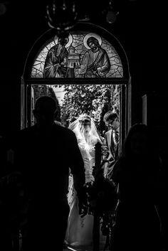 Nunta in Bucuresti cu Dana Mireasa si Gabi Mire. Ceremonie Biserica Fotografii Profesionale