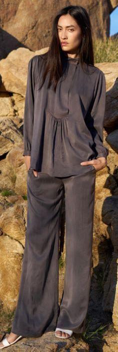 Модели деловой одежды для пышек Осень-Зима 2016-2017: офисные сарафаны, платья…: