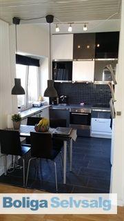 Christmas Møllers Vej 1, st. 1., 5200 Odense V - Nydelig 3 værelses lejlighed i gedigen ejendom i 2 plan #odense #ejerlejlighed #boligsalg #selvsalg