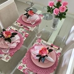 Learn how to make a dish for your table - Crochet Free Crochet Towel, Free Crochet, Table Place Settings, Table Setting Inspiration, Table Arrangements, Deco Table, Decoration Table, Dinner Table, Table Runners