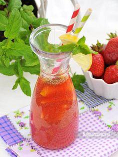 #Lemoniada truskawkowa z miętą http://najsmaczniejsze.pl/2015/07/lemoniada-truskawkowa-z-mieta/ #przepis #napój #najsmaczniejsze #truskawki