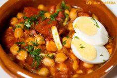 Los garbanzos son un ingrediente esencial en la elaboración de diversas recetas propias de la cocina española, su consumo nos aporta importantes nutrientes