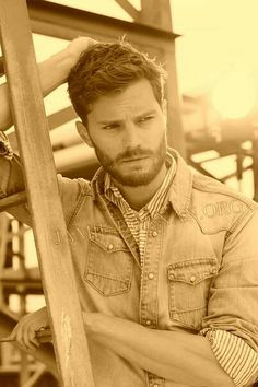 Why do I love men with beards so much!?? Jamie dornan is the Christian Grey!